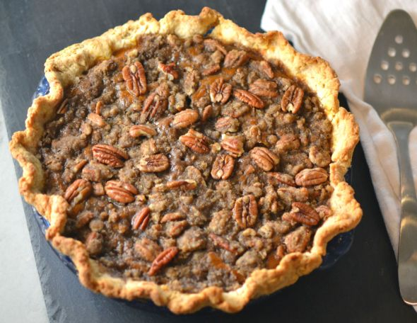 Pecan Pumpkin Pie with Brown Sugar Pecan Crumble