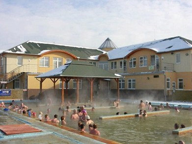 zimné kúpanie v bazénoch Podhájska
