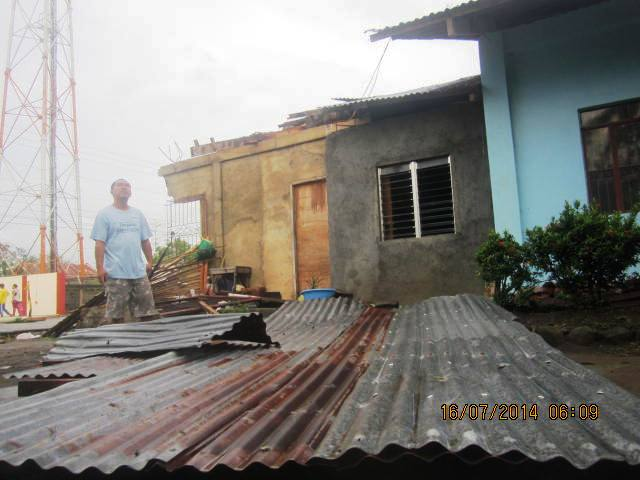 roof blown off of Ptr Raf's house
