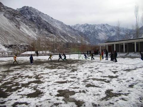 The match was played on a ground covered by snow!