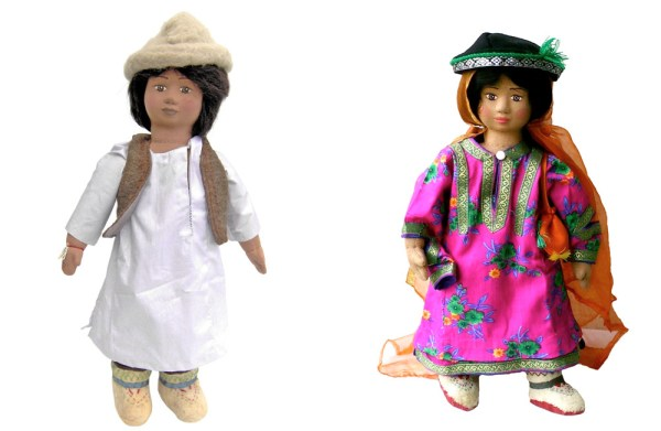 The dolls representing a Balti boy and a girl