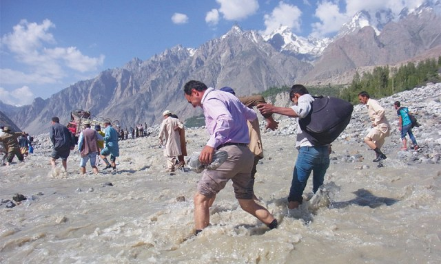 Struggling on Karakoram Highway, Photos by the writer