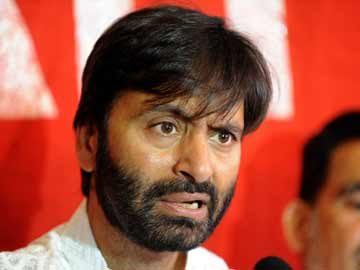 Provincial status for GB to jeopardise Kashmir cause, warns Yasin Malik