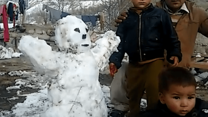 Snow paralyzes life in Shigar Valley