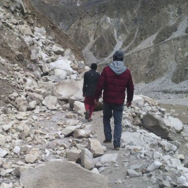 Road to Ghizar remains blocked