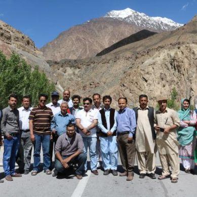 Gilgit: WWF,ICIMOD organise workshop for journalists on climate change