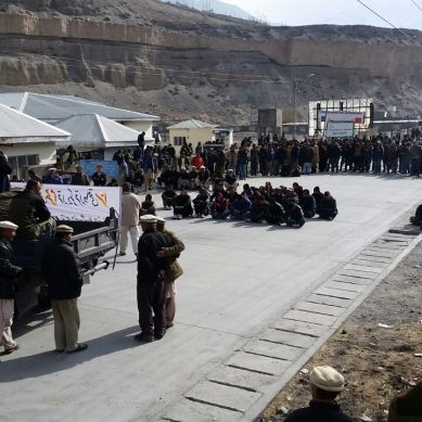 Strike: Protesters in Gojal Valley demand payment of land compensation, action against NHA officials