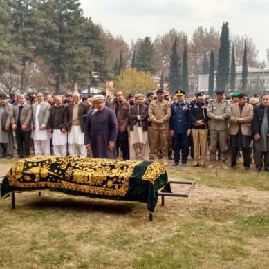 Freedom War hero Group Captain Shah Khan laid to rest in Chinar Bagh, Gilgit