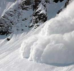 Avalanche buries 5 houses in Tatol village of Astore, 16 people rescued by locals