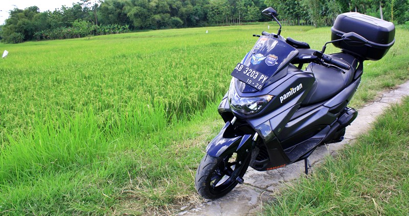 Explore the road with pamitran motorbike tour