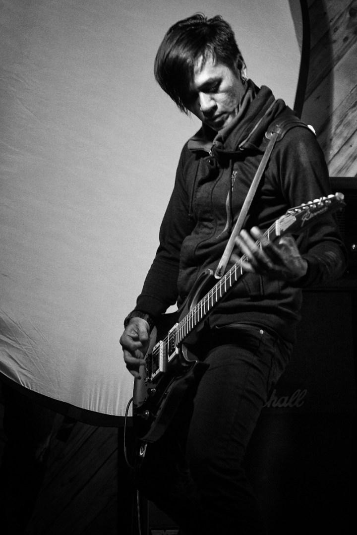 Garry Mailangkay - LAQUENA