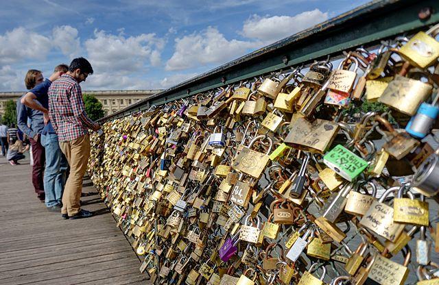 Pont des Arts, photo by Disdero