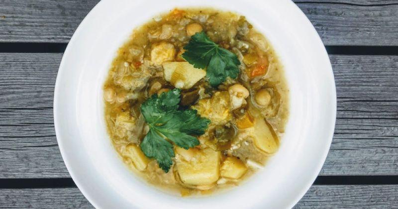 vegetar ertesuppe og grønnsakssuppe oppskrifter