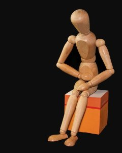 腹痛の人形