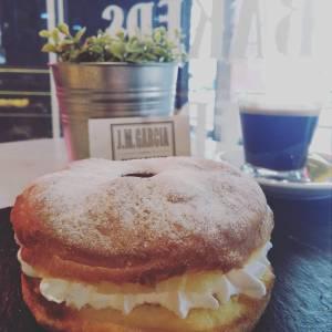 donuts_relleno_nata-sin_gluten-www.panaderiajmgarcia.com-panaderia-alicante
