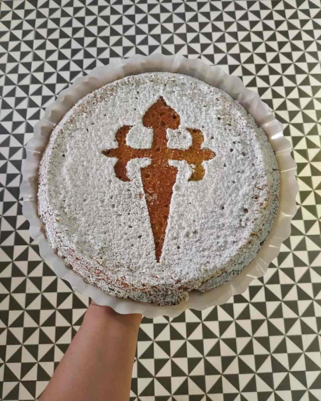 tarta-de-santiago-sin-gluten-sin-lactosa-y-frutos-secos-www.panaderiajmgarcia.com-panaderia-sin-gluten-alicante