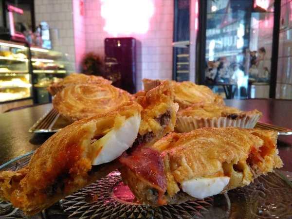 Pasteles_de_carne_1a_calidad_ternera _olivas_huevo_jamon_chorizo-sin_gluten-sin_lactosa-www.panaderiajmgarcia.com-detalle
