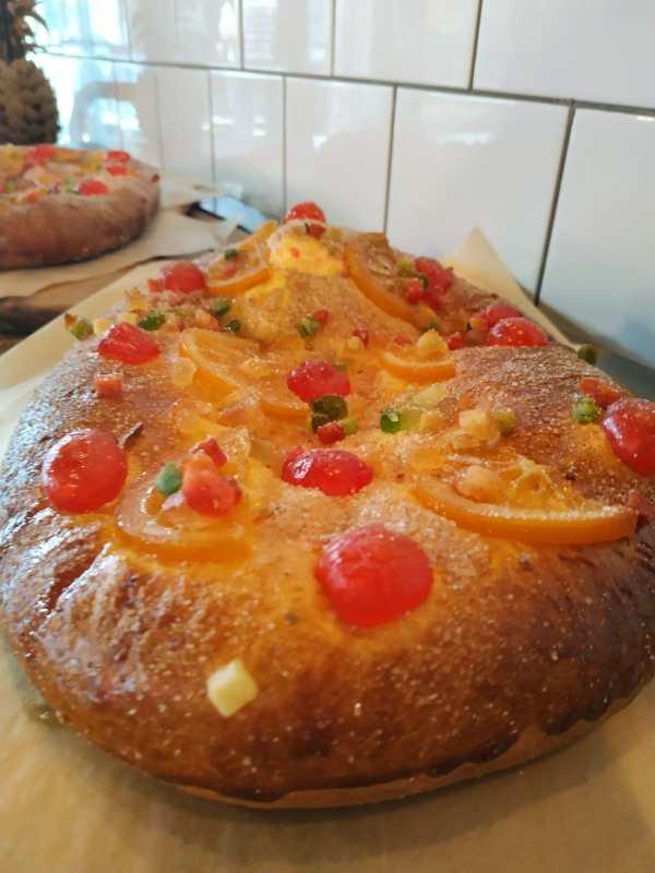 coca_san_juan_dulce_sin_gluten_sin_lactosa_con_frutas_escarchadas_www.panaderiajmgarcia.com-panaderia-alicante