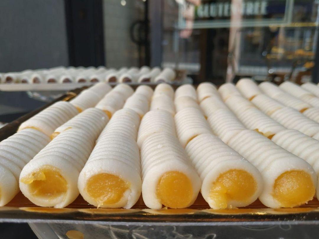 Huesos-de-Santo-Yema-Sin-Gluten-www.panaderiajmgarcia.com-panaderia-alicante