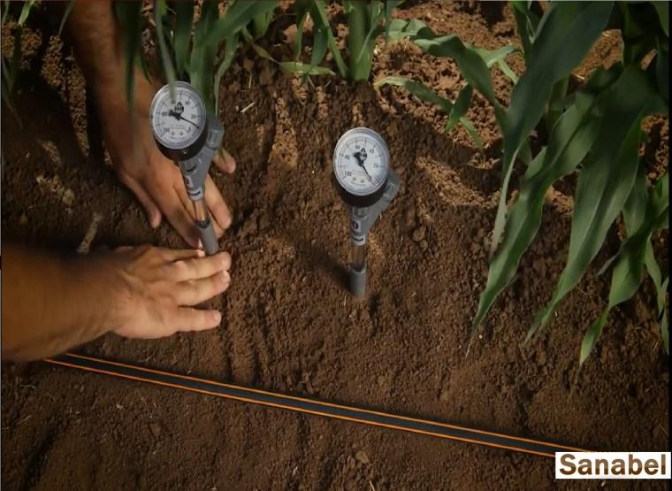 اجهزة قياس الرطوبة بالتربة