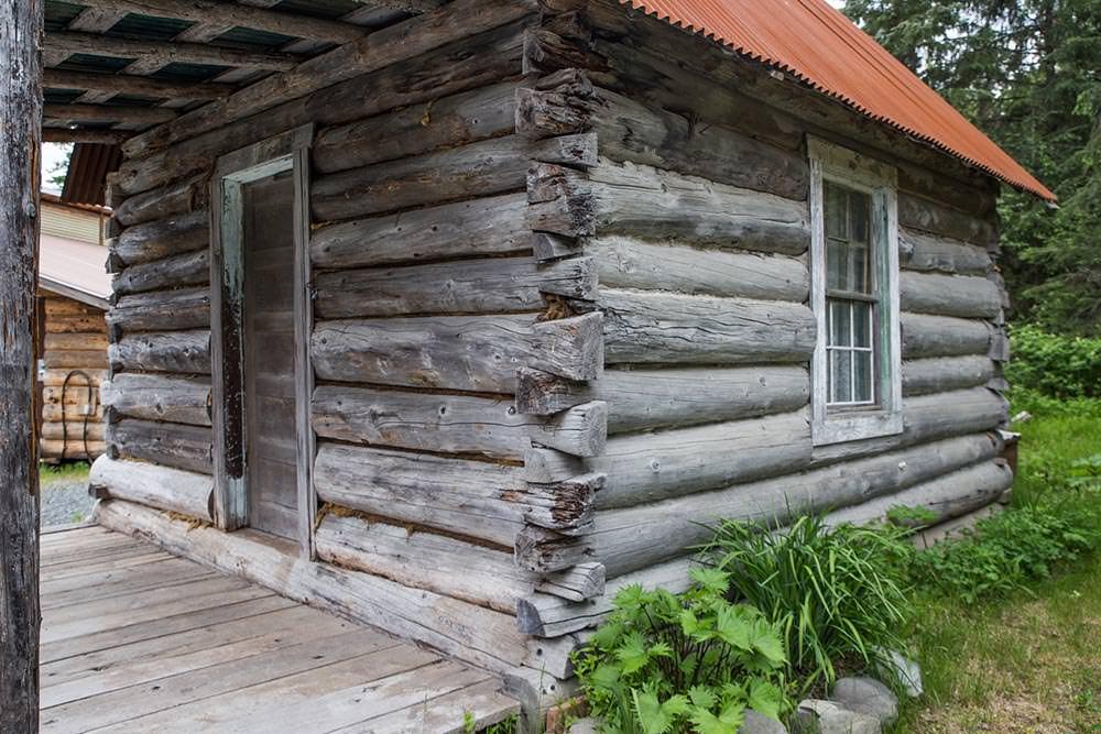 Log cabin in Hope