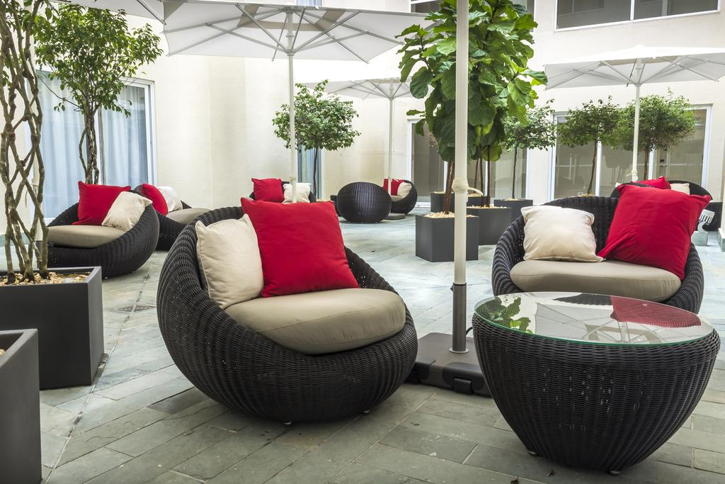 Central Hotel Panama has an internal courtyard for guests to enjoy