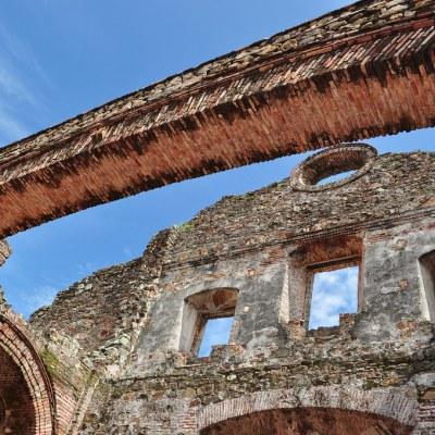 Impresionante Arco Chato del Convento de Santo Domingo