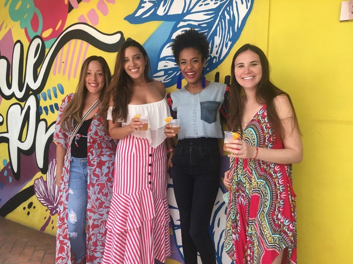 Maru Galvez, Annie Mirabal, Mayra Hurley y Ursula Kiener haciendo una inspección del Hostal Selina Casco Viejo
