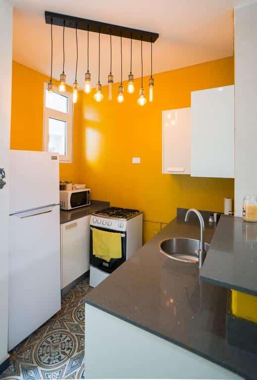 cocina del apartamento 1A en Flor de Lirio Casco Viejo