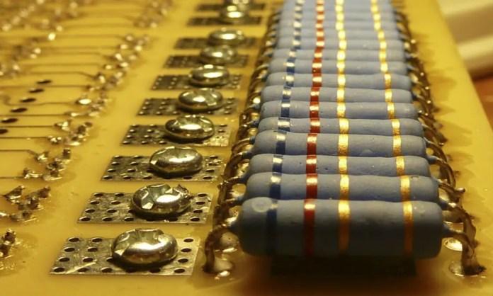 Resistor Array 1 - Electrogeek