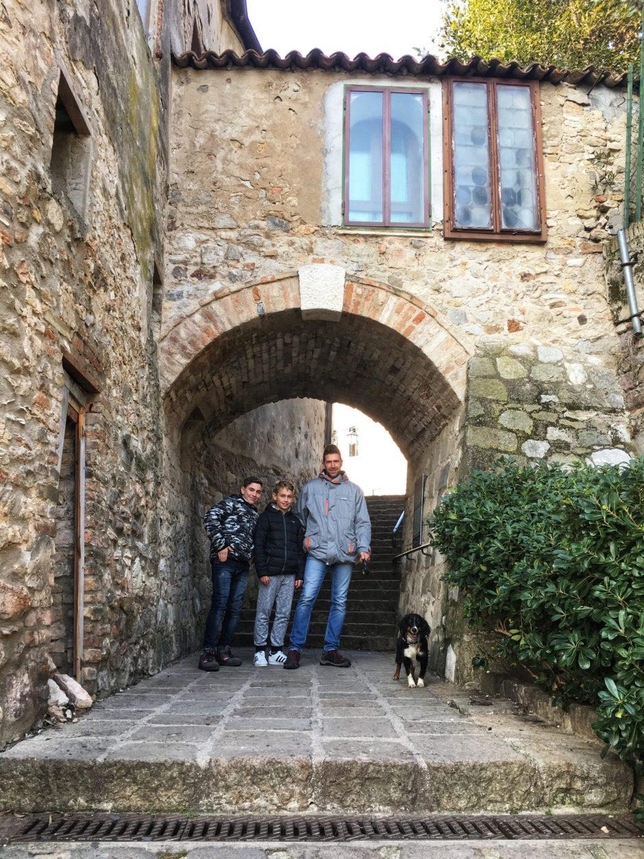 famiglia riunita ad Arqua Petrarca