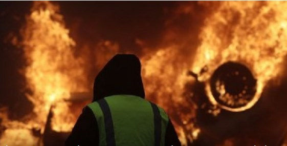 Κατάσταση απόλυτου χάους στo Παρίσι – Έκτακτη συνεδρίαση συγκαλεί ο Μακρόν (pics&vids) | panathinaikos24.gr