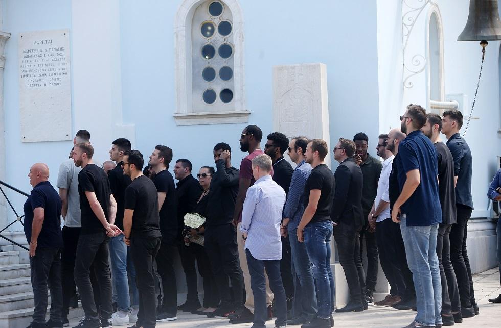 Πλήθος κόσμου και συγκίνηση στο μνημόσυνο του Παύλου Γιαννακόπουλου (pics)   panathinaikos24.gr