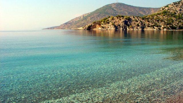 Καλύτερη κι από το Πόρτο Κατσίκι: Η παραλία – όνειρο που βρίσκεται μια ανάσα από την Αθήνα (Pics) | panathinaikos24.gr