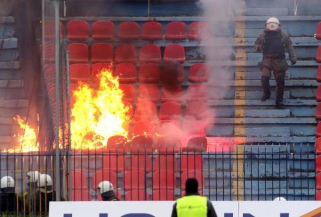 Φωτιές και χάος στη Νέα Σμύρνη – Φωτογραφίες ΣΟΚ | panathinaikos24.gr