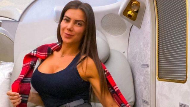 Το τερμάτισε: Η Ελληνίδα αεροσυνοδός του Σεΐχη σε διαφήμιση των Jumbo (Pics) | panathinaikos24.gr