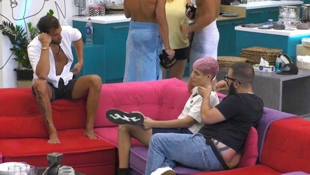 Διεκόπη το live: Παίκτης του «Big Brother» βρίζει on air τον Ανδρέα Μικρούτσικο | panathinaikos24.gr