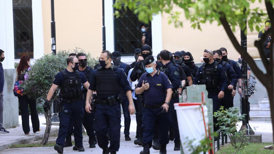 Γλυκά Νερά: Ολοκληρώθηκε η απολογία του συζυγοκτόνου – Σε ποια φυλακή θα μεταφερθεί   panathinaikos24.gr