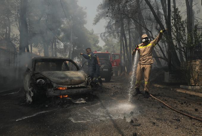 Εκτός ελέγχου τα πύρινα μέτωπα στην Σταμάτα – SMS από το 112, στο σημείο ισχυρές πυροσβεστικές δυνάμεις (vids) | panathinaikos24.gr