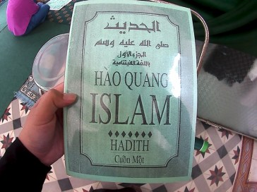 Hadist book in Vietnamese