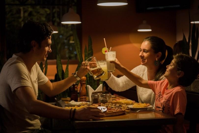 diner en famille pour passer une soirée sereine