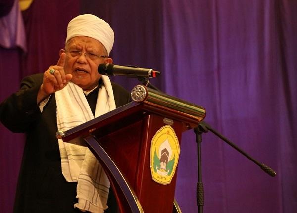 Pimpinan pesantren Darul Rohmah Jakarta