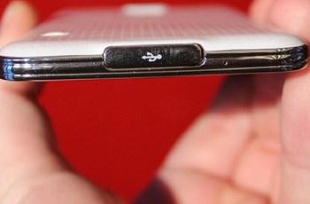 Cara mengatasi smartphone tidak bisa dicharge