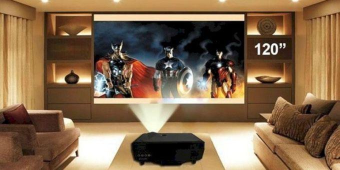 TV atau Layar Proyektor