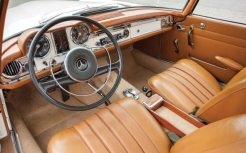 mercedes-benz-230-sl-interior