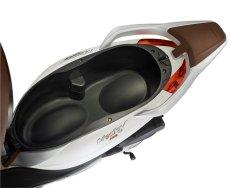 Piaggio-Medley-S150-ABS-seatbox-2