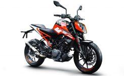 170628_KTM 250 DUKE Orange ABS Front Right MY 2017