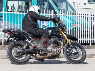 spyshot-moto-guzzi-v85-2