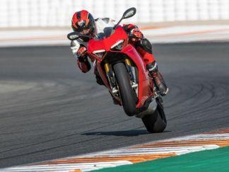 Ducati Panigale V4 S Pecah Rekod-5