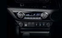 Toyota Hilux Black Edition_7